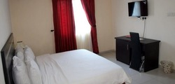 Tastefully Furnished Luxury Rooms Bars Restaurant Gym Spa Meeting Rooms Swimming Pool